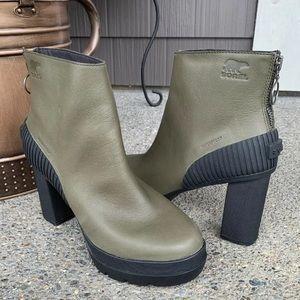 NWOT SOREL Dacie Leather Waterproof Bootie 8.5